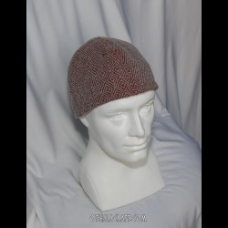 Brown woolen hat in small diamond pattern