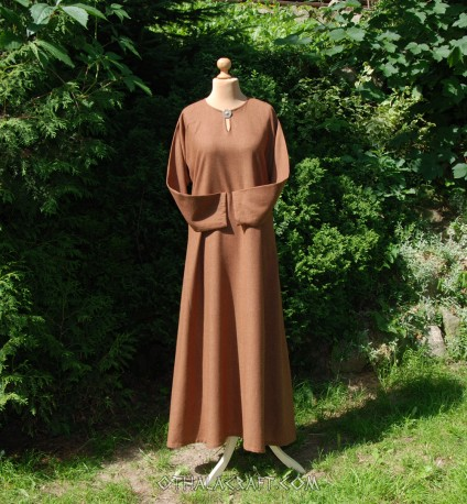 Woolen dress - brown
