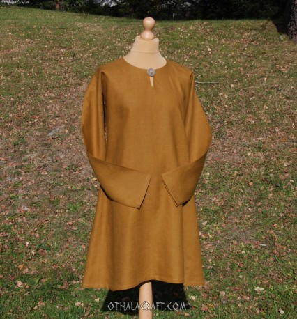 Simple linen tunic – honey shade