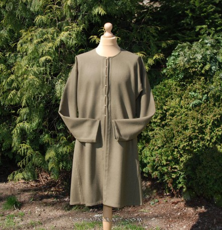 Green woolen kaftan with buttons