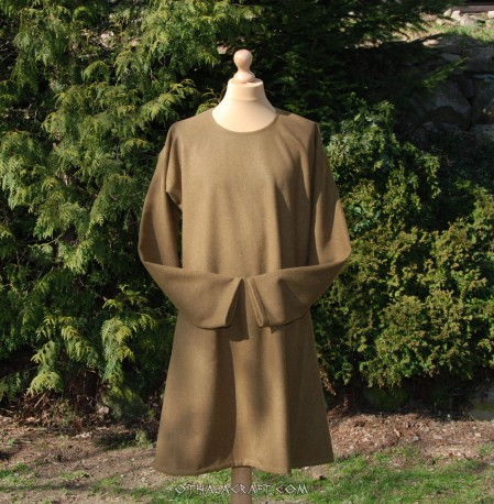 Green woolen tunic