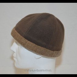 Brown hat with braid