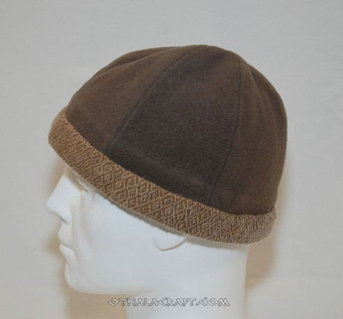 Woolen hat in diamond pattern - two colours