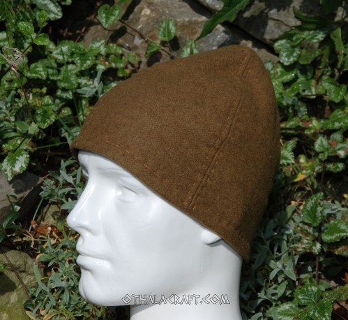 Brown woolen hat with tablet braid
