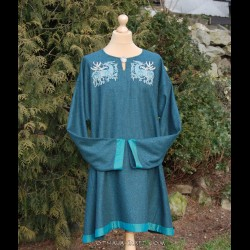 Woolen Viking tunic with large embroidery