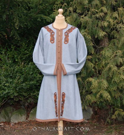 Brown kaftan with silk