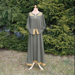 Beautiful Viking dress with embroidery from Oseberg