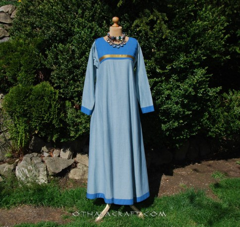 Blue woolen dress with embroidery