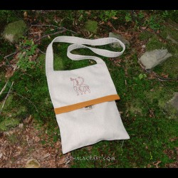 Woolen bag with embroidery