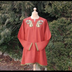 Linen tunic with Ravens embroidery