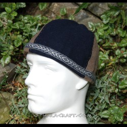 Brown and green woolen hat with tablet braid