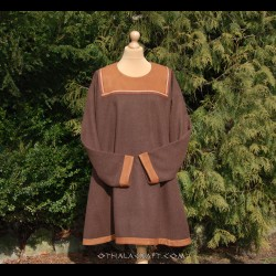 Honey woolen tunic with braid