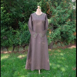 Linen dress with embroidery in Mammen style