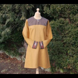 Viking linen tunic with embroidery in Urnes style, early medieval