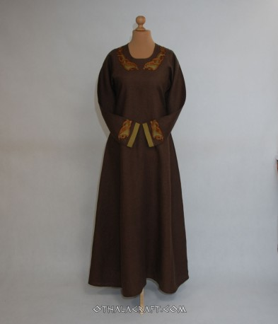 Viking dress with embroidery from Isle of Man