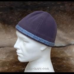 Dark purple woolen hat with braid